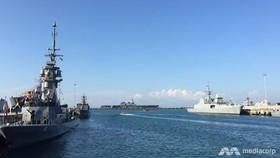 Các tàu chiến quốc tế đổ về căn cứ hải quân Changi. Ảnh: CNA