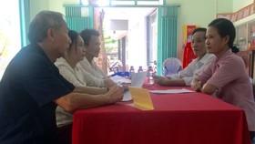 Một buổi trực tiếp dân của Ban công tác mặt trận khu phố 4, phường Tây Thạnh, quận Tân Phú