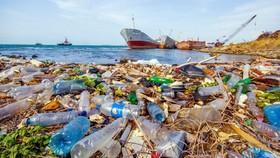 Nhật Bản thông qua dự luật hạn chế xả rác thải nhựa ra biển