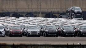 Ô tô tại cảng Valencia (Tây Ban Nha) ngày 29-5-2018. Ảnh: REUTERS