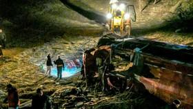 CH Bắc Macedonia: Xe buýt rơi xuống vực, 13 người chết