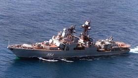 Tàu khu trục Nga vào biển Đông