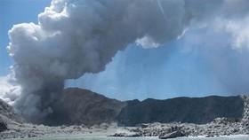 New Zealand: Núi lửa phun trào, ít nhất 5 người chết