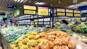 Nhiều mặt hàng đồng loạt giảm giá