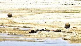 Một mỏ khai thác cát trái phép dọc sông Chambal, bang Madhya Pradesh của Ấn Độ