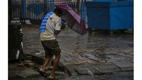 Siêu bão Amphan tràn vào Ấn Độ và Bangladesh
