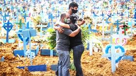 Brazil là quốc gia thứ hai trên thế giới có số ca nhiễm Covid-19 vượt qua con số 1 triệu người. Ảnh: Getty Images