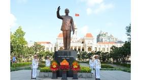 Kỷ niệm 44 năm Ngày Thành phố Sài Gòn – Gia Định chính thức, vinh dự mang tên Chủ tịch Hồ Chí Minh. Ảnh: VIỆT DŨNG