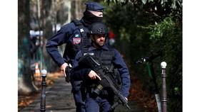 Pháp điều tra khủng bố sau vụ tấn công bằng dao