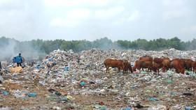 Hàng trăm hộ dân sống gần bãi rác Bình Tú vẫn đang phải sống trong tình trạng ô nhiễm nghiêm trọng