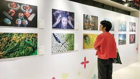 Sống động sắc màu văn hóa Việt qua những bức ảnh