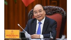 Thủ tướng Nguyễn Xuân Phúc chủ trì cuộc họp Thường trực Chính phủ về phân bổ vốn đầu tư công trung hạn. Ảnh: VGP