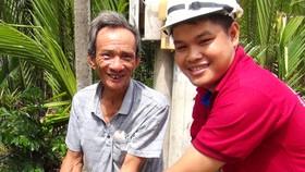 Ông Trần Văn Thanh, người dân huyện Cần Giờ vui mừng khi nước sạch được kéo đến nhà