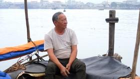 Lão ngư Nguyễn Thái Sơn, thôn Hồng Thái (Nghệ An) buồn bã vì ngư trường ngày càng cạn kiệt