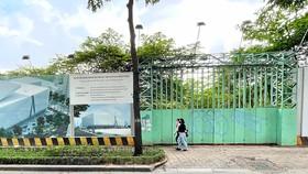 Dự án Trung tâm Thể dục Thể thao Phan Đình Phùng vẫn đang dở dang. Ảnh: HOÀNG HÙNG