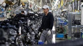 Công nhân làm việc trong một nhà máy ở Nhật Bản. Nguồn: cgtn.com