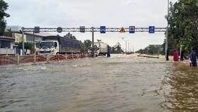 Cần xử lý nhiều điểm úng ngập trên QL1, đường Hồ Chí Minh