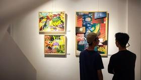"""Triển lãm """"Hoa đào nở mùa hè"""" của nghệ sĩ graffiti Daos501 do REI Artspace tổ chức tại TPHCM (ở thời điểm dịch Covid-19 chưa bùng phát). Ảnh: REI Artspace."""