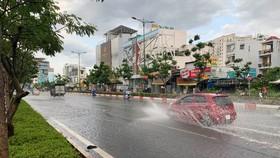 TPHCM: Mưa lớn kéo dài gây ngập nhiều tuyến đường