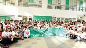 Gần 700 nhân viên và đại lý Manulife Việt Nam tham gia giải chạy Terry Fox 2018
