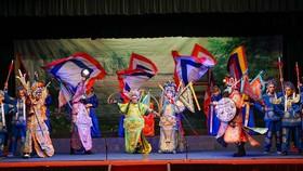Một cảnh trong chương trình giao lưu nghệ thuật Việt - Trung. Ảnh: HOÀNG HÙNG