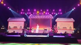 """Lễ hội giao lưu văn hóa """"Trái tim yêu thương"""" 2019 do Tổng Lãnh sự quán Hàn Quốc tại TPHCM tổ chức tại Vinhomes Central Park (quận Bình Thạnh)"""
