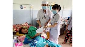 Hết lòng với bệnh nhân