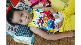Mong có phép màu cứu con khỏi ung thư