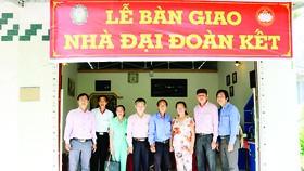 Công ty TNHH MTV Xổ số kiến thiết Đồng Tháp trao nhà đại đoàn kết cho hộ nghèo tại huyện Lai Vung
