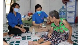 Đội hình tình nguyện hỗ trợ người yếu thế