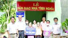 Lễ bàn giao nhà tình nghĩa cho gia đình người có công với Cách mạng tại TP Cao Lãnh, Đồng Tháp