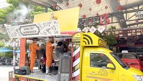 Xe cắt tóc lưu động dành cho người nghèo