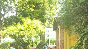 Một buổi học vẽ ngoài trời dành cho thiếu nhi tại Thảo Cầm viên Sài Gòn
