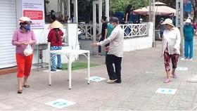 ATM gạo tại quận Tân Phú, TPHCM. Ảnh: HOÀNG HÙNG