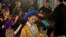 """Các nghệ sĩ trẻ biểu diễn """"Trăng soi Hoàng Triều"""""""