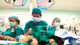 Dấu ấn y tế Việt Nam qua những ca đại phẫu - Bài 3: Điều kỳ diệu của sự sống