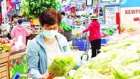 Người tiêu dùng luôn cảm thấy an tâm khi chọn mua hàng hóa tại siêu thị Co.opmart của Saigon Co.op