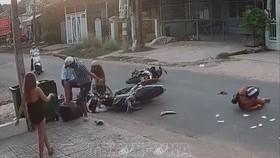 Nam thanh niên hành hung nữ sinh sau va chạm giao thông xảy ra