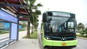 VinBus chính thức vận hành xe buýt điện thông minh đầu tiên tại Việt Nam