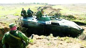 """Nga và NATO: Căng thẳng tăng cao vì """"thùng thuốc súng"""" Ukraine"""