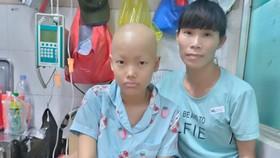 Nhà nghèo, con bị ung thư di căn