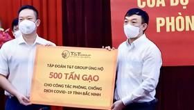T&T Group ủng hộ 1.000 tấn gạo và 5 tỷ đồng tiếp sức cho Bắc Ninh, Bắc Giang chống dịch