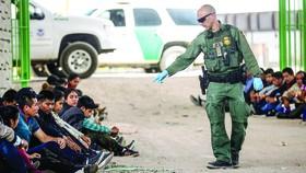 Mỹ vất vả đối phó khủng hoảng nhập cư
