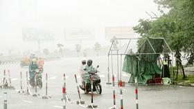 Ảnh hưởng của bão số 5: Nhiều tuyến giao thông bị chia cắt