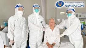 Cụ bà 89 tuổi xuất viện khỏe mạnh sau thời gian dài ngày điều trị Covid-19