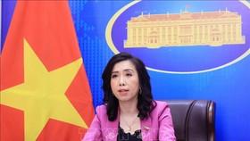 Người phát ngôn Bộ Ngoại giao Lê Thị Thu Hằng chủ trì họp báo, chiều 23-9. Ảnh: TTXVN