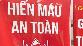 120 cán bộ, chiến sĩ bộ đội tham gia hiến máu tình nguyện