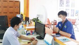 Người lao động tham gia ứng tuyển việc làm tại Văn phòng Trung tâm dịch vụ việc làm thanh niên TPHCM tại quận Gò Vấp