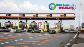 Thực hiện Thông tư 49 của Bộ Giao thông Vận tải, Tổng cục Đường bộ Việt Nam (Bộ Giao thông Vận tải) vừa yêu cầu các nhà đầu tư BOT phải lắp bảng điện tử để công khai các thông tin tại trạm thu giá dịch vụ sử dụng đường bộ (trạm thu phí).