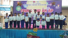 SAIGONBANK mang trung thu yêu thương đến với trẻ em nghèo huyện Nhà Bè